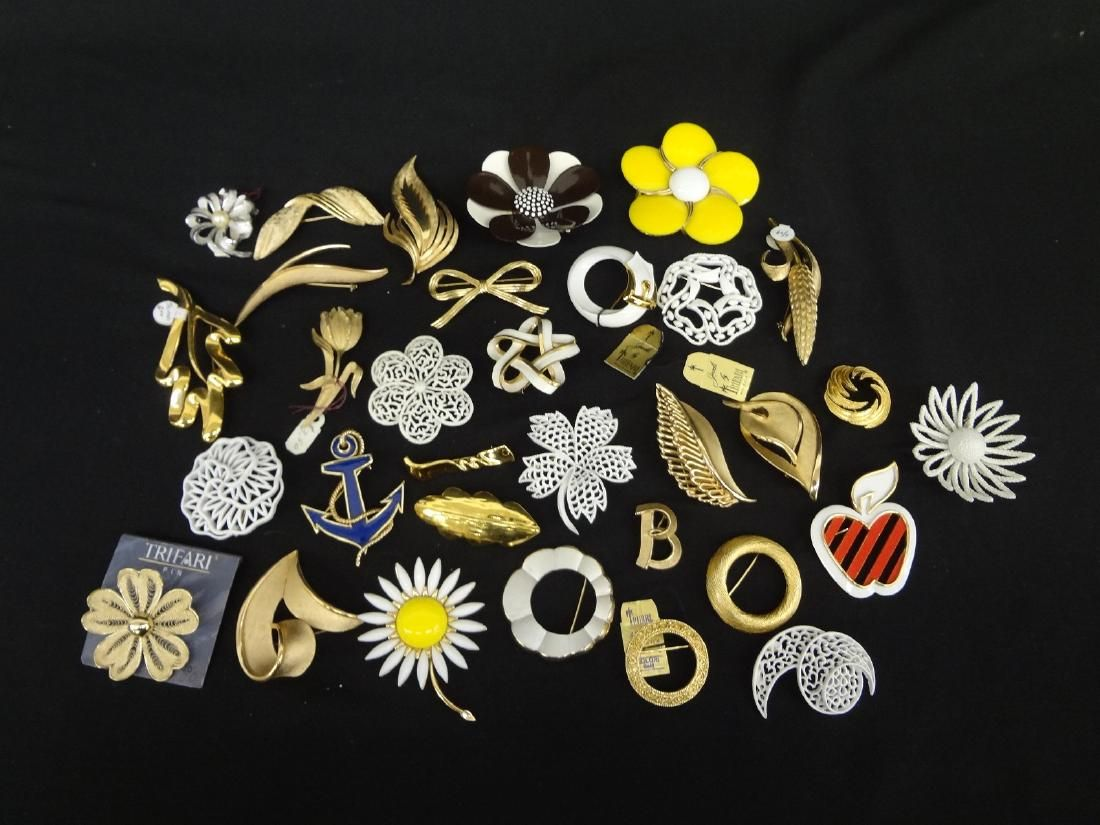 (32) Trifari Jewelry Brooches: Enamel, Gold and