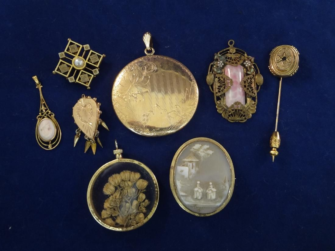 (8) Gold Filled Victorian Jewelry Group: Lockets,