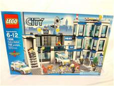 LEGO Collector Set 7498 City Police Station New and
