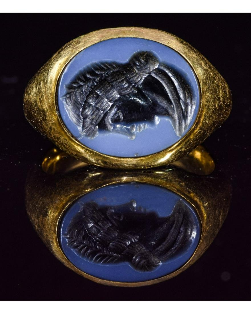ROMAN GOLD NICOLO INTAGLIO RING WITH IMPERIAL PORTRAIT
