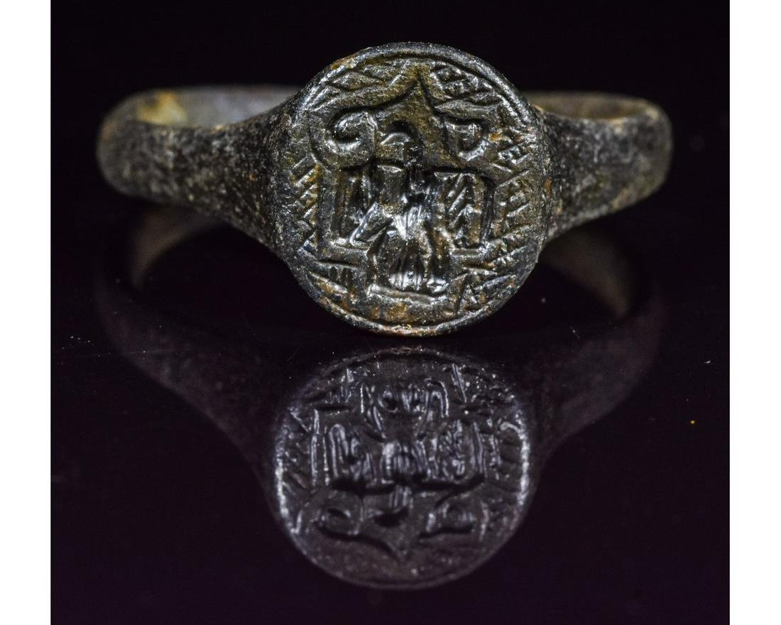 ROMAN BRONZE SEAL RING WITH EAGLE