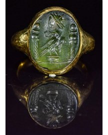 ROMAN GOLD INTAGLIO RING WITH EAGLE AND GOD SALUS