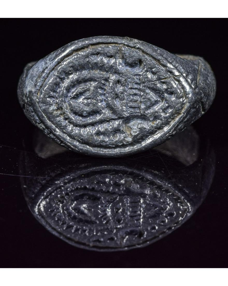 VIKING PERIOD SEAL RING WITH STYLIZED BEAST