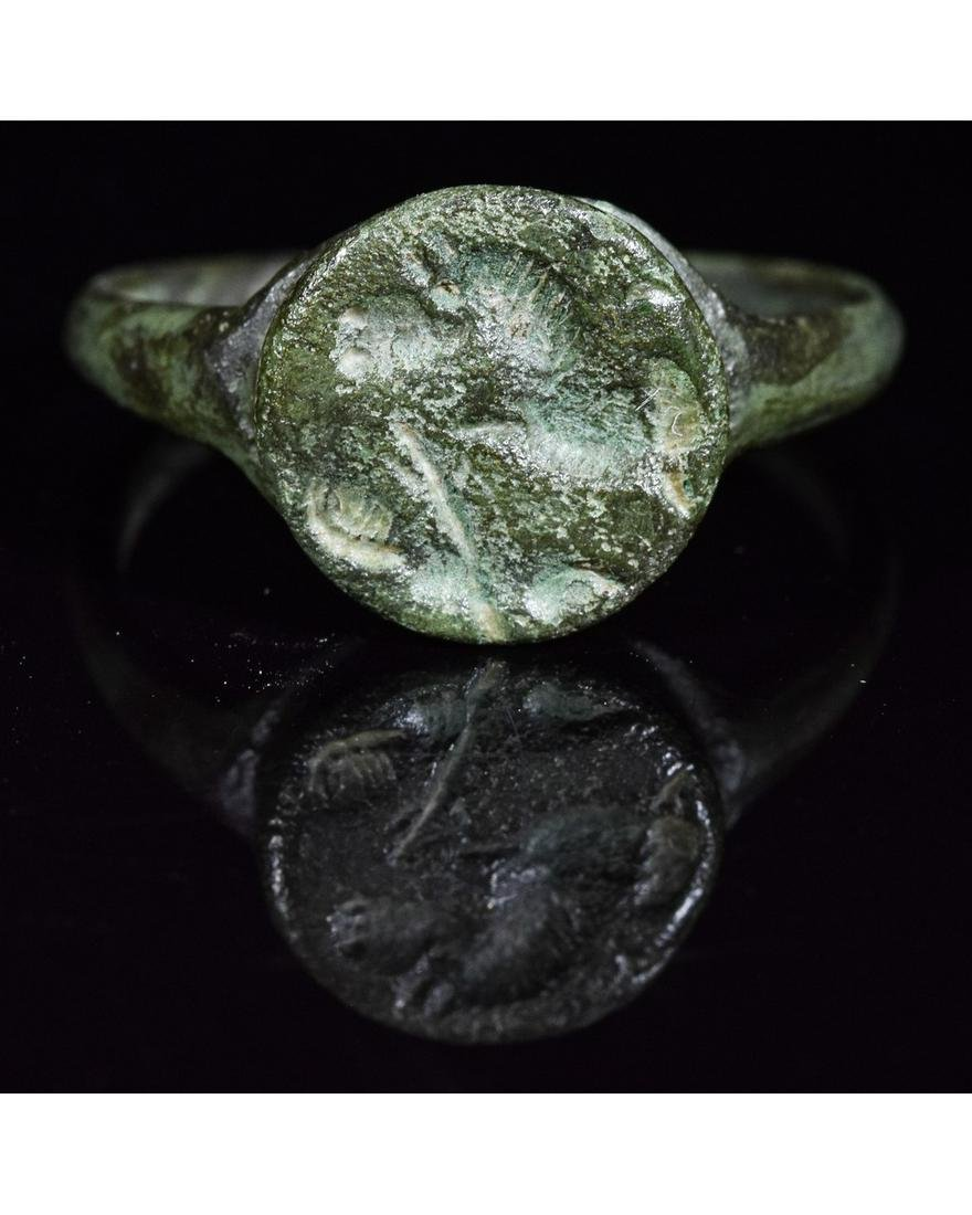 ROMANO-CELTIC BRONZE SEAL RING WITH A BEAST