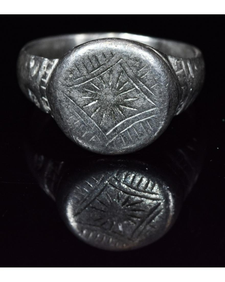 """MEDIEVAL RING WITH """"STAR OF BETHLEHEM"""" PATTERN"""
