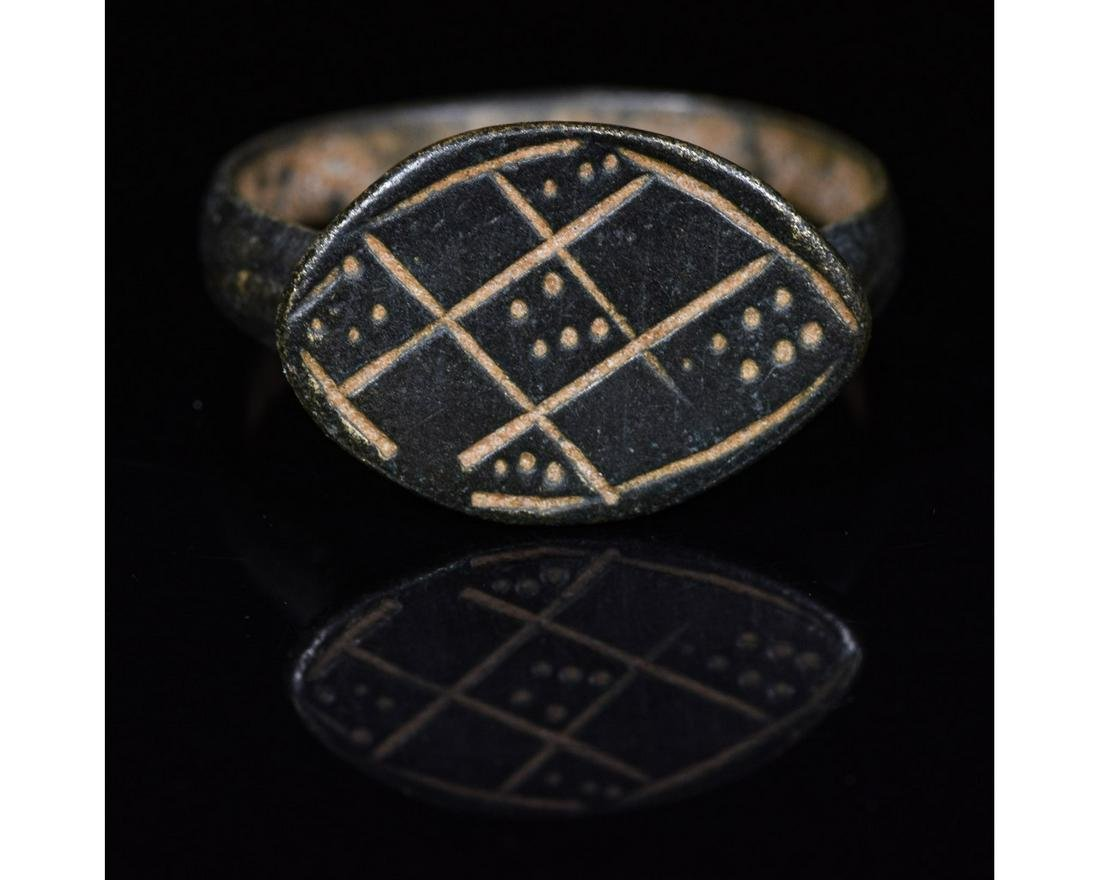 ROMAN PERIOD DECORATED RING