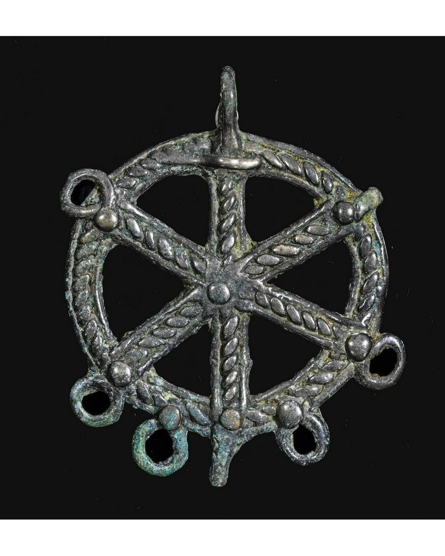 LATE ROMAN BRONZE PENDANT WITH CHI-RHO