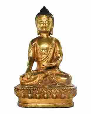 CHINESE/TIBETAN GILDED BRONZE SEATED BUDDHA FIGURE