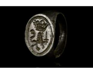 MEDIEVAL SEAL RING WITH LION AND CROWN