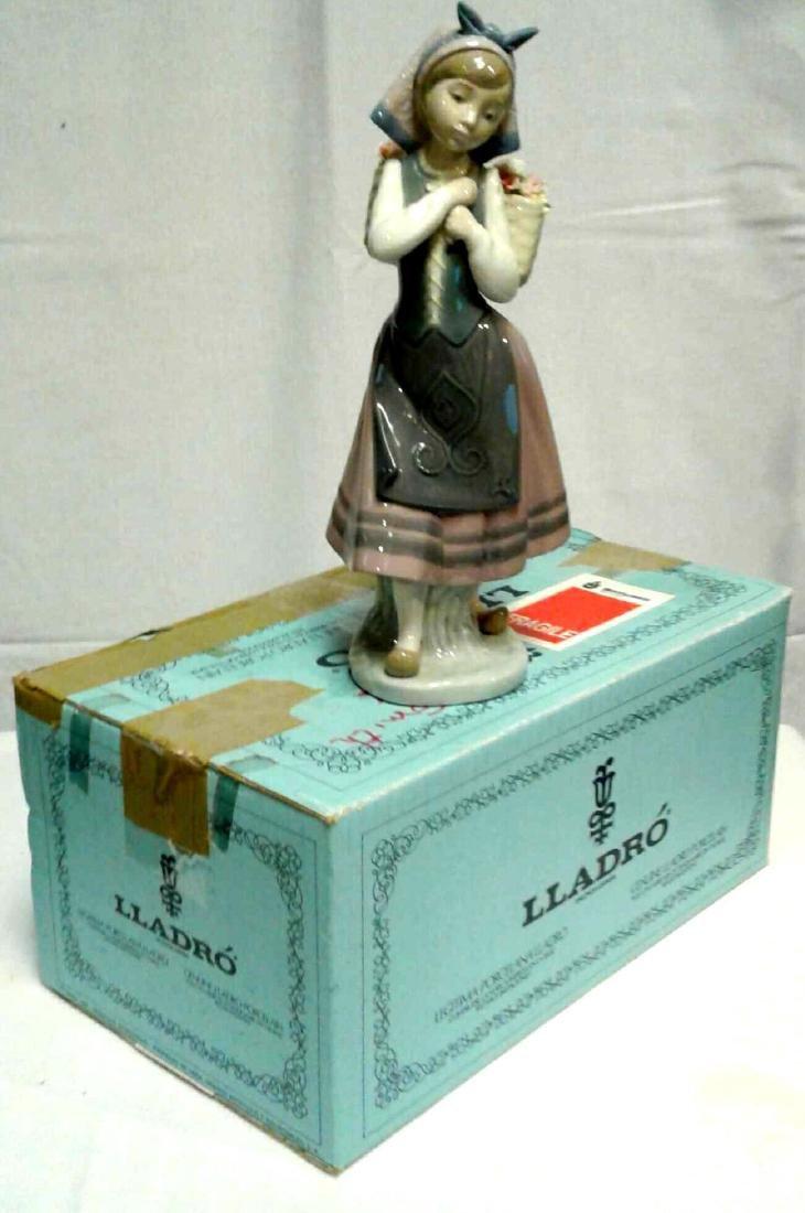 Lladro Spain 'Nature's Bounty' 1417 Porcelain Figurine