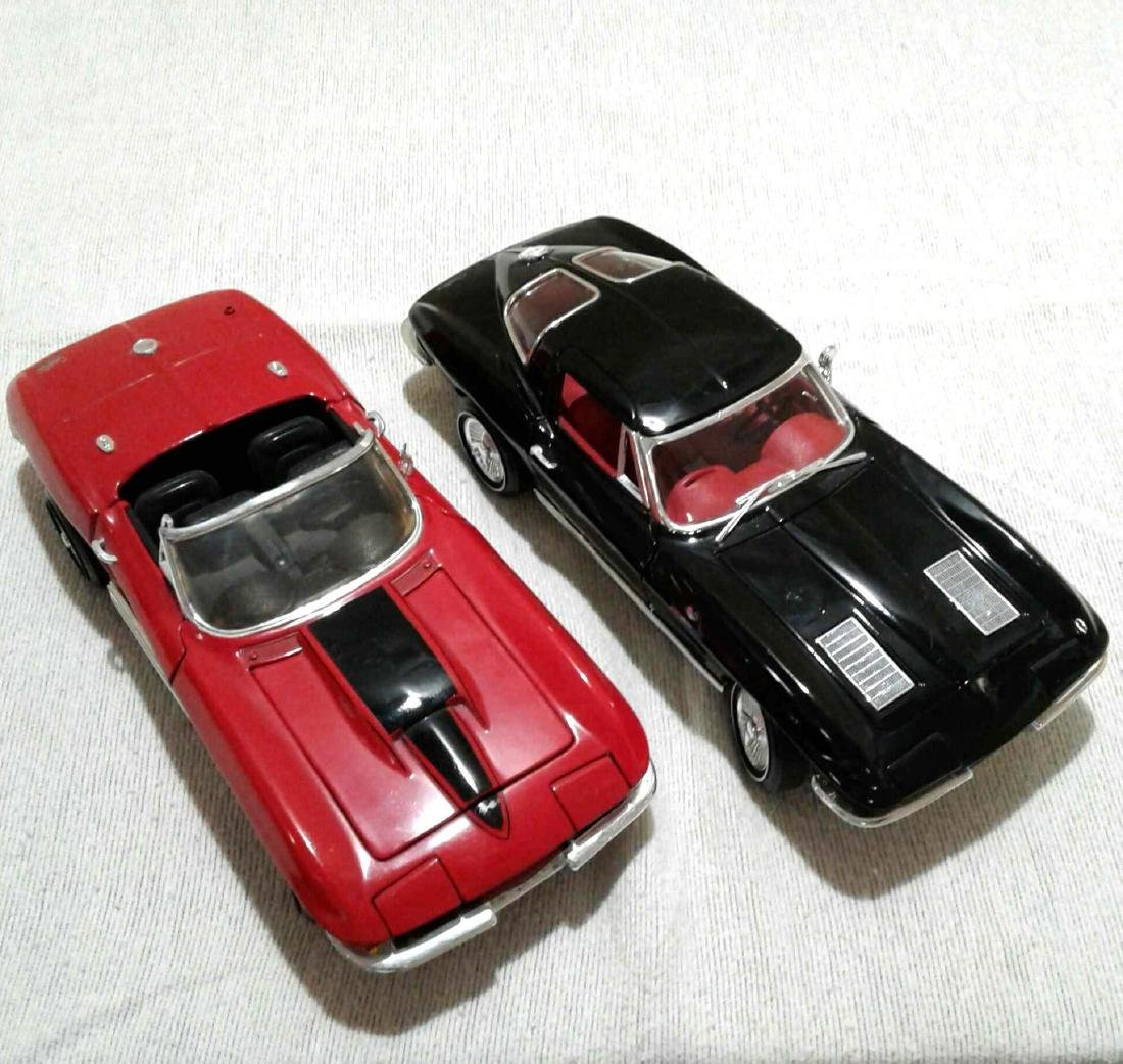 2 ERTL 1/18 Chevrolet Corvette 1967 1963