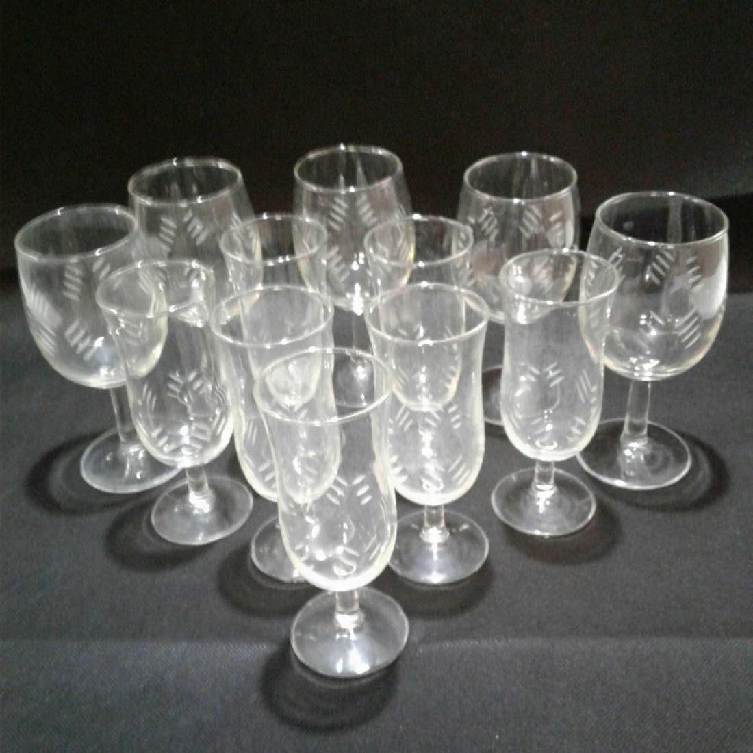 Hashmark Etched Clear Glass Stemware (12 pieces)