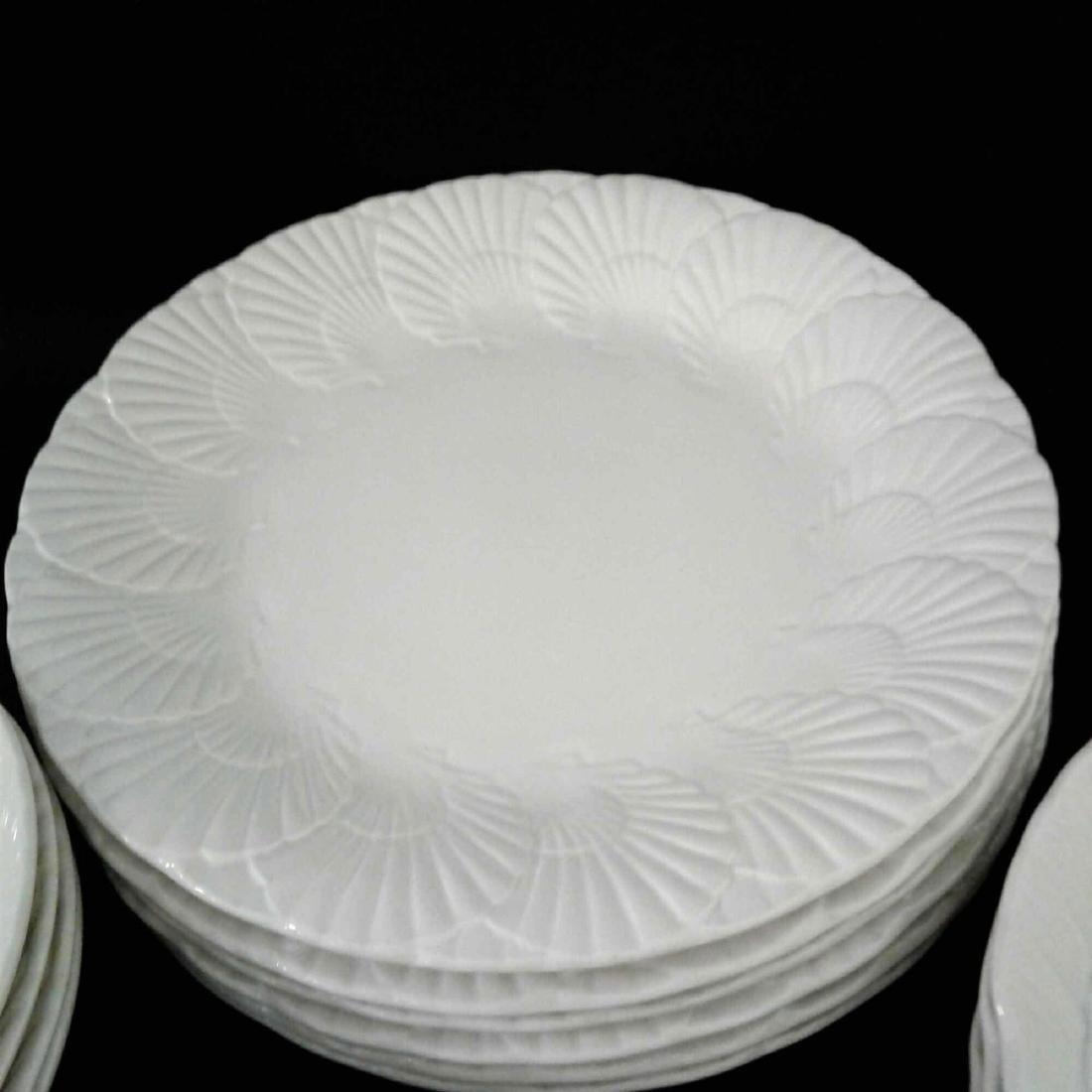 Mikasa Malaysia, Ocean Jewel White, Shell China Set, 21 - 5
