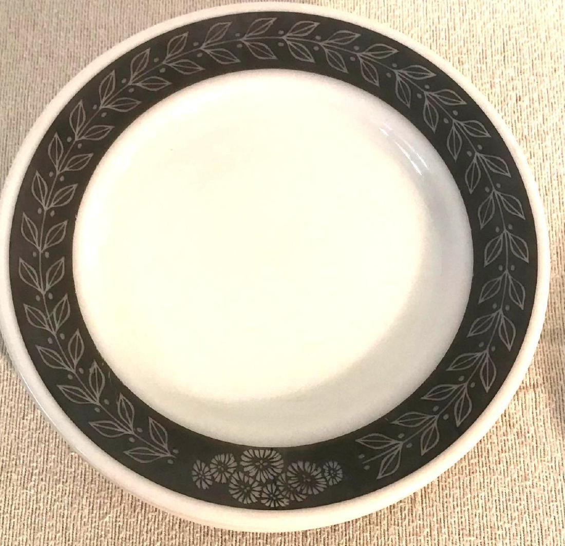 12 Pyrex Double Tough Plates Grecian Pattern - 8