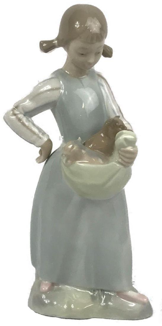 Lladro Figurine, Girl With Kittens