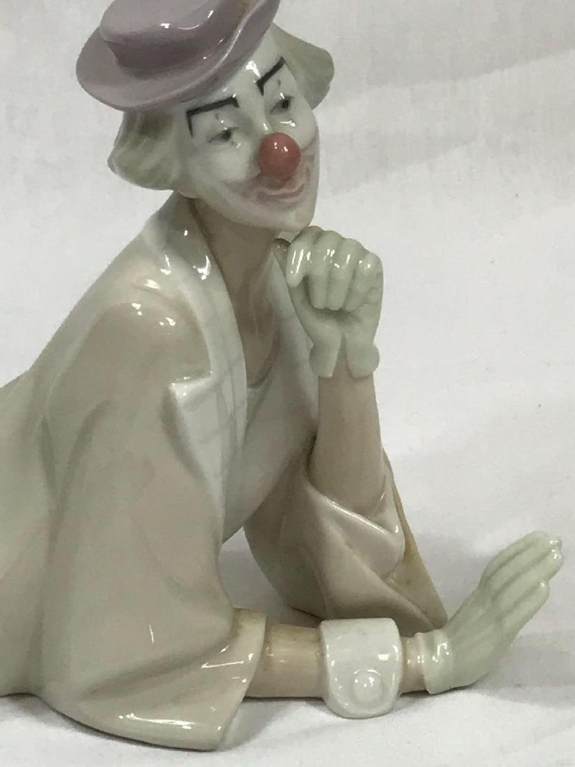 Lladro Clown with Ball - 8