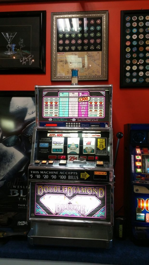 Double Diamond Deluxe Casino Slot Machine