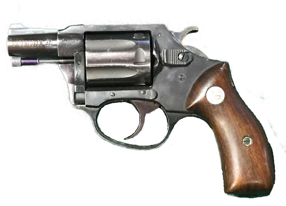 .32 Charter Arms Undercover Revolver Gen. 1