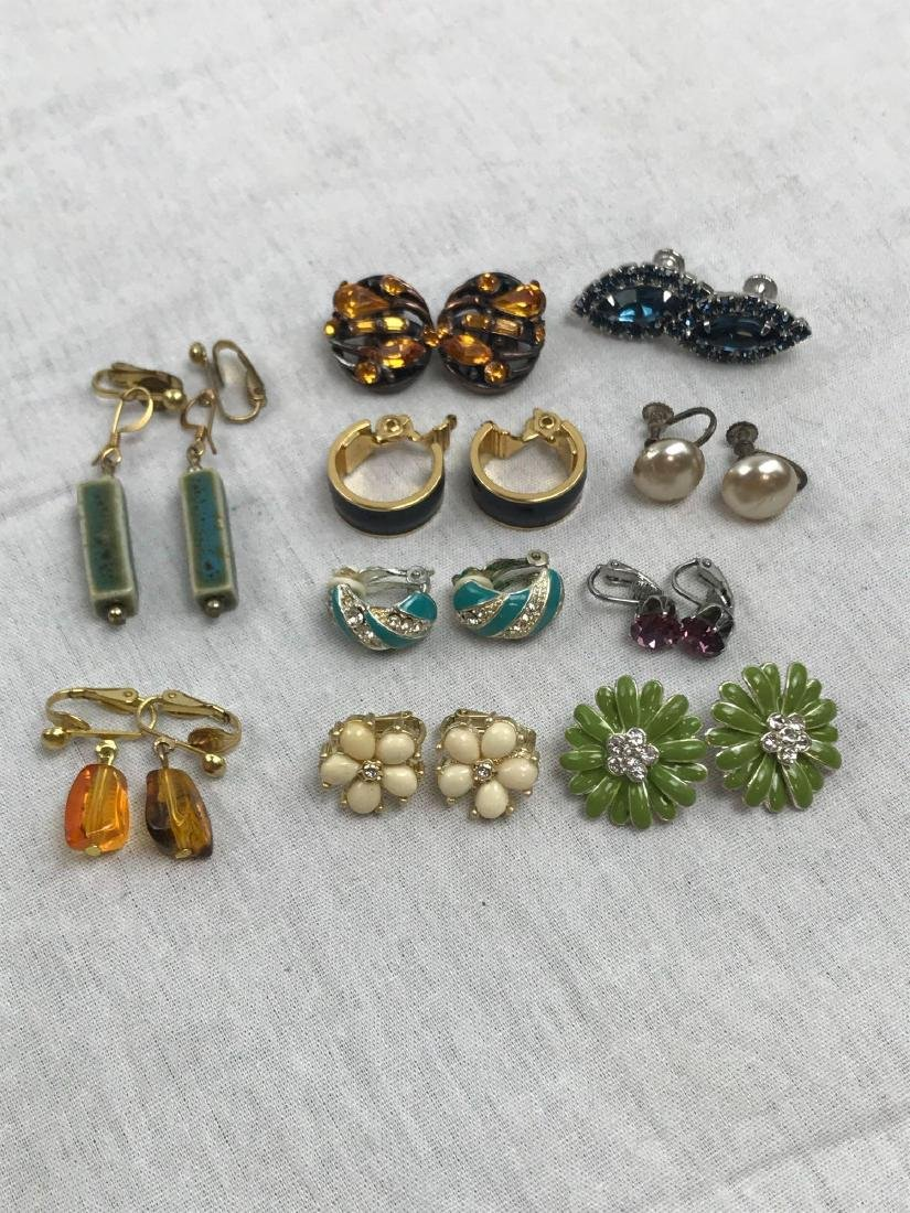 Vintage Assortment Of Earrings - 2