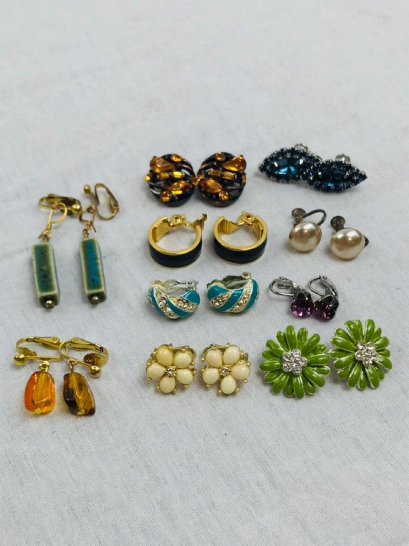Vintage Assortment Of Earrings - 3