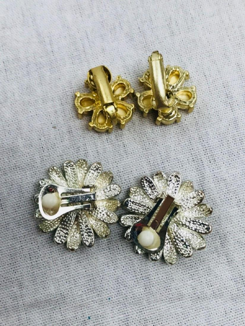 Vintage Assortment Of Earrings - 8
