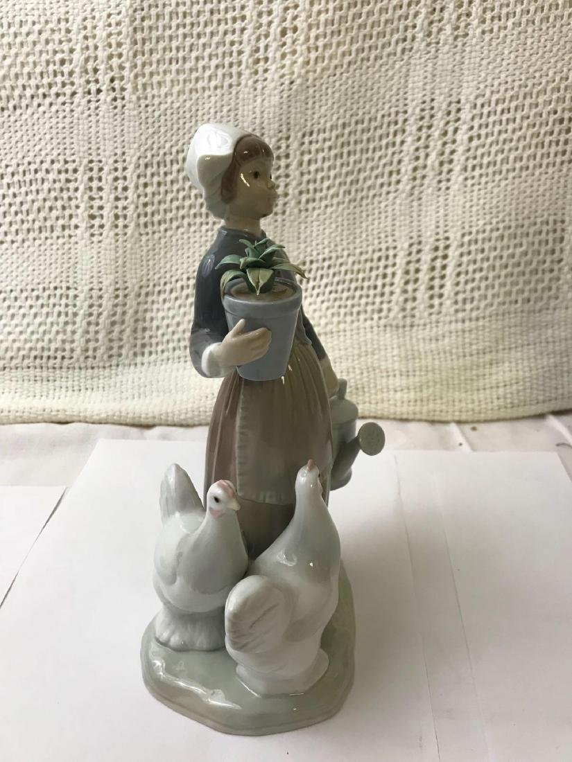 """LLADRO Porcelain """"Dutch Girl With Hens"""" - 4"""