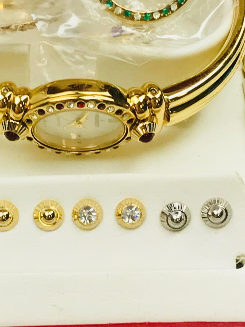 Ladies Peugeot Gold Watch with 7 Interchangeable Bezels - 4