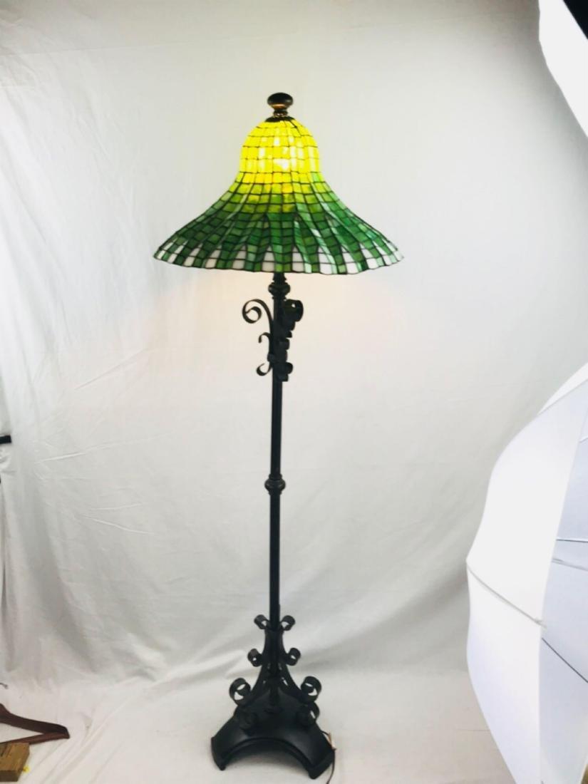 Green and White Tiffany Style Lotus Pagoda Floor Lamp - 9