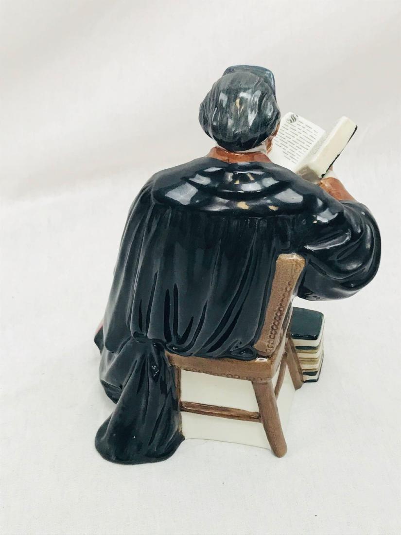 The Professor vintage Royal Doulton Figurine Pristine - 4
