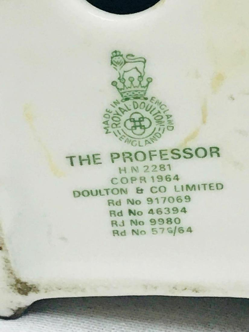 The Professor vintage Royal Doulton Figurine Pristine - 7