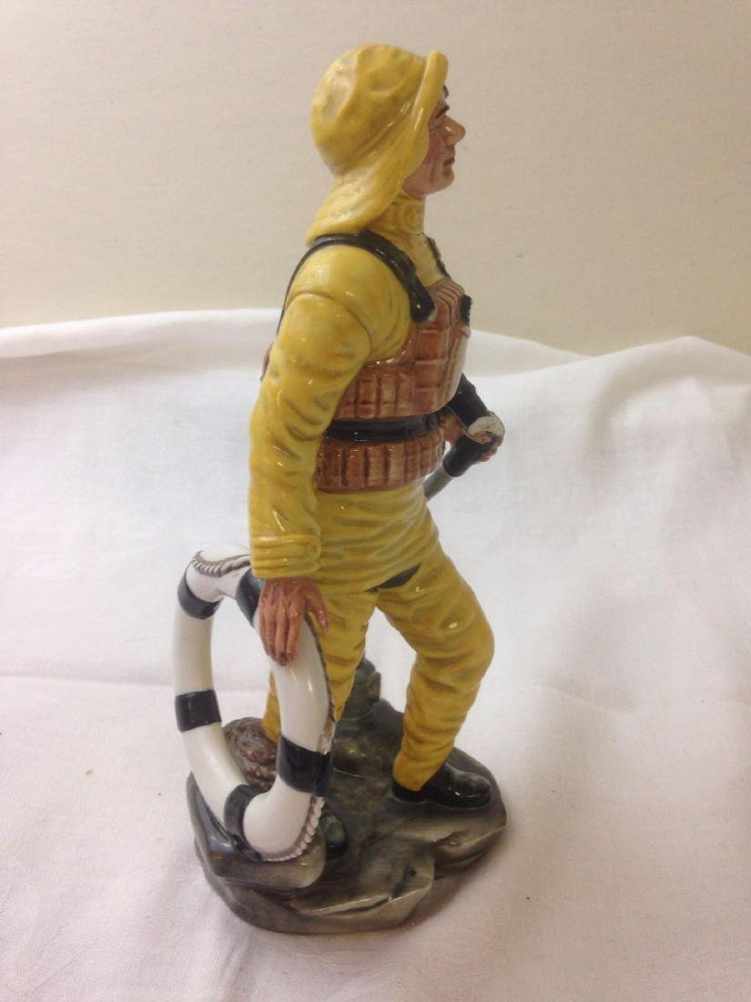 vintage ROYAL DOULTON Lifeboat Man porcelain finguine - 4
