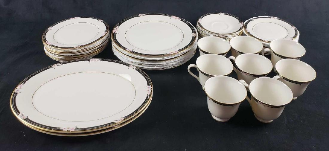 Set of Royal Doulton Vogue Enchantment Collection