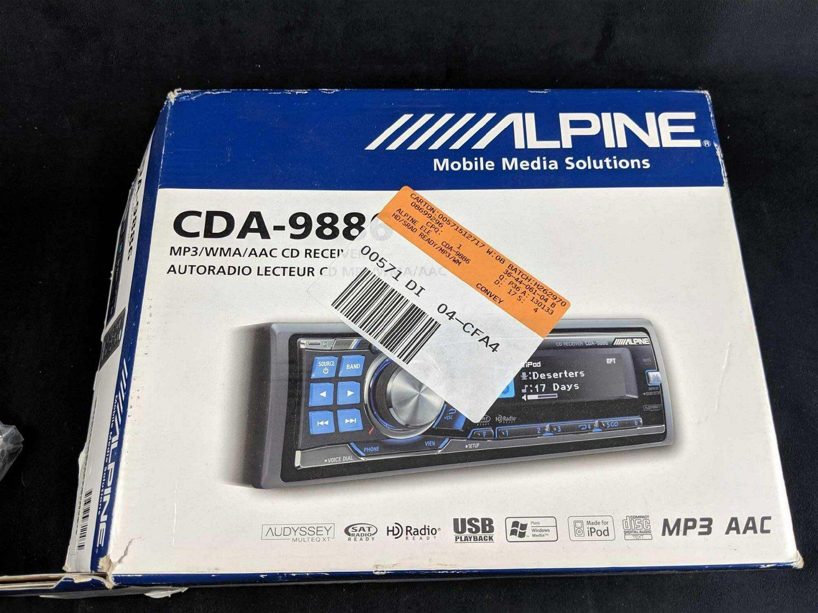 Alpine CDA 9885 MP3 WMA AAC CD Ipod Receiver