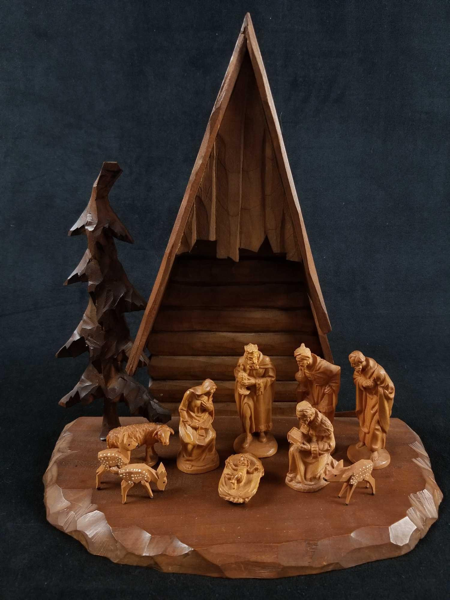 Italian Wood Carvings of The Nativity by ANRI