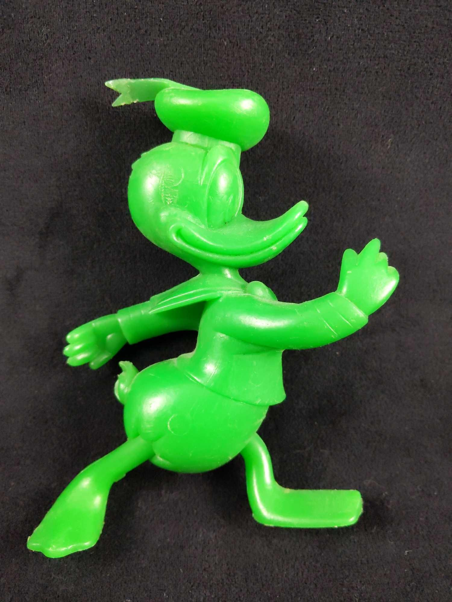 1971 Green Plastic Donald Duck Toy