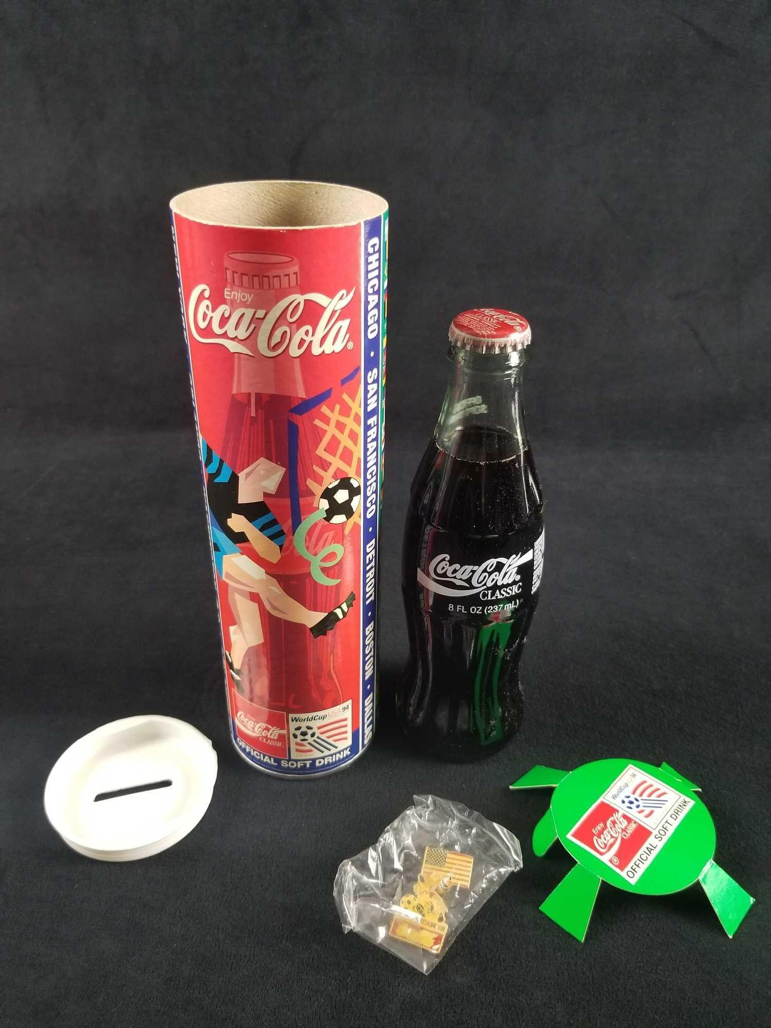 VINTAGE 1994 WORLD CUP SOCCER COCA COLA COKE BOTTLE /& PIN
