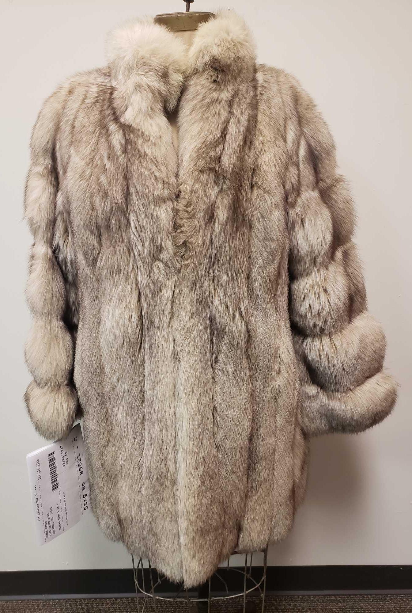 Fourrures Desjardins Made in Canada Blue Fox Fur Coat