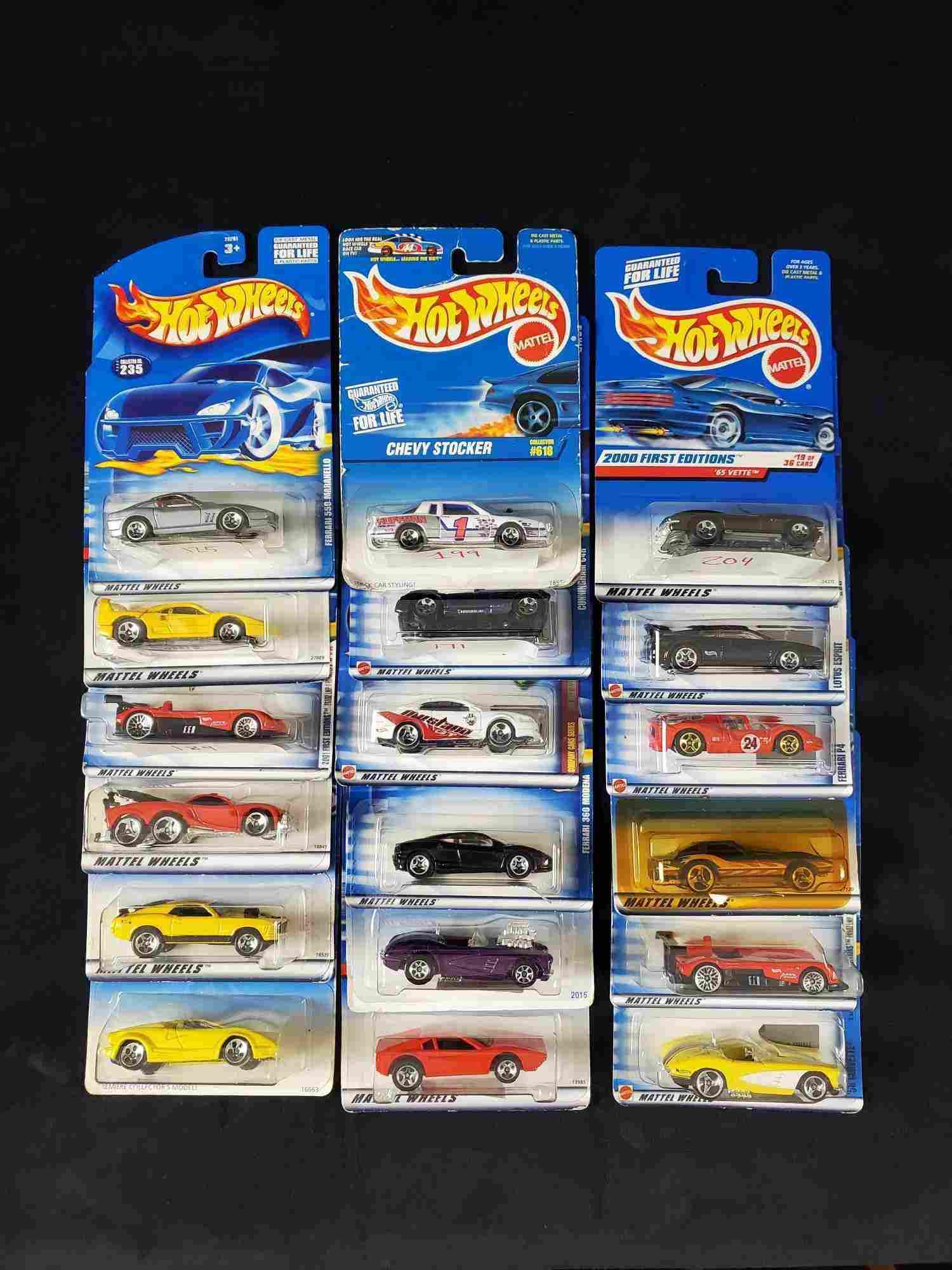 Packaged Lot of18Mattel Hot Wheels Die-Cast Cars Z