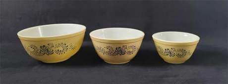 Vintage Pyrex Homestead Nesting Bowls