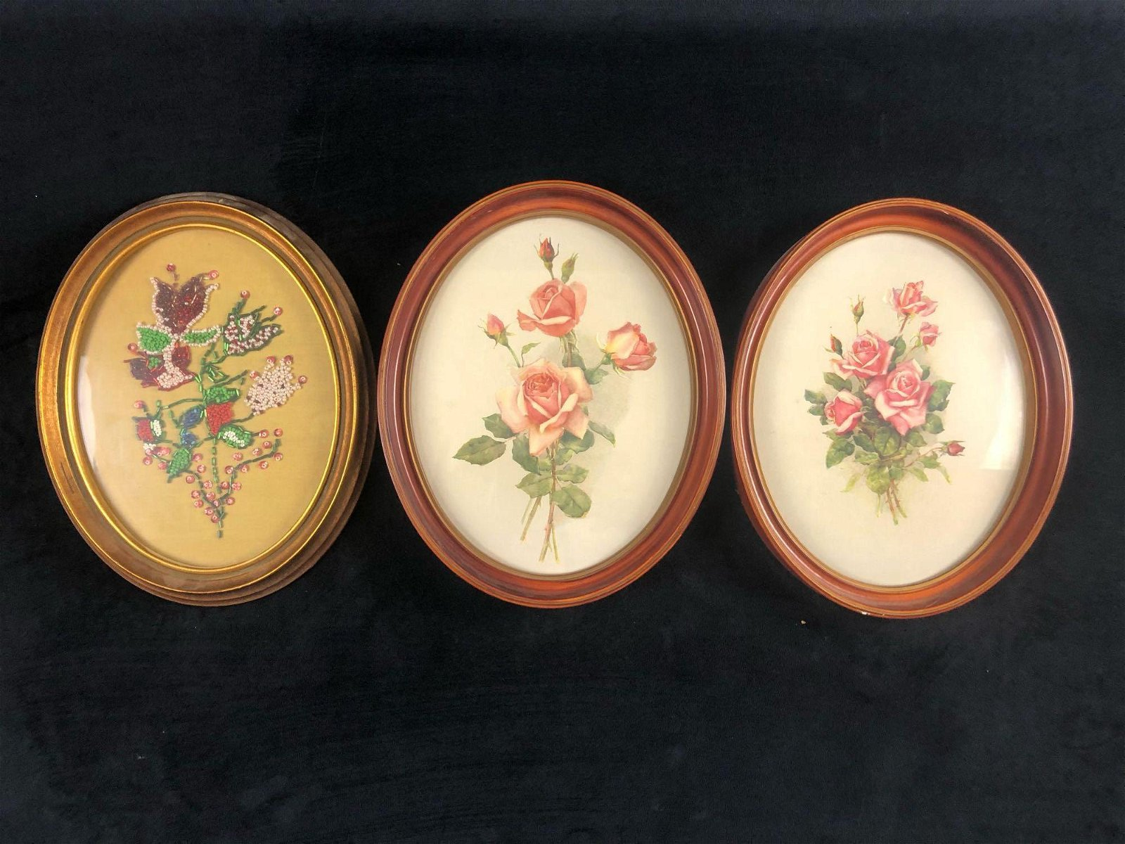 A Lot Of 3 Bouquet Of Roses Flowers Beaded Print Wooden