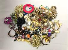 Large vintage Lot Of costume jewelry 370 Grams