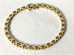 Vintage Hugs & Kisses XOXO 14k Gold .25 Natural Diamond