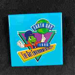 Huge Vintage Lot Of 427 Vintage Official 1996 Walt