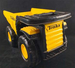 Funrise Toy Tonka Toughest Mighty Dump Truck