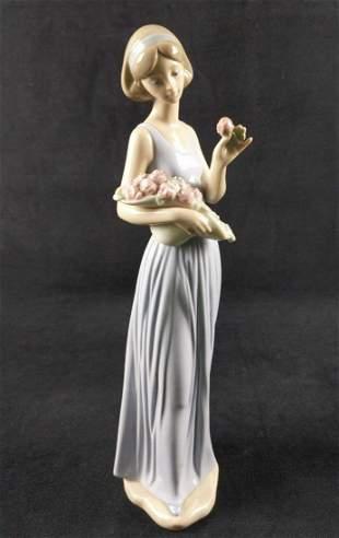 Nao Lladro Porcelain My Little Bouquet Spain Girl