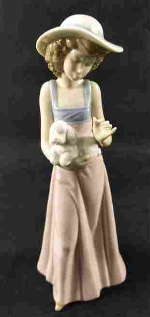 Nao Lladro Porcelain Pampered Poodle Girl Puppy