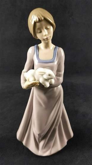 Nao Lladro Porcelain Precious Bundle Bunny Girl