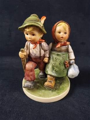 Hummel Goebel Figurine Going Home HUM 383