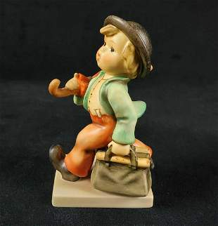 Hummel Goebel Figurine Merry Wanderer HUM 11