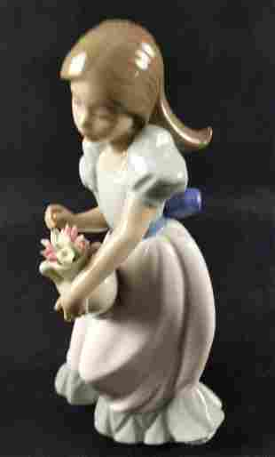 Nao Lladro Porcelain Tulip Time Young Girl Spain